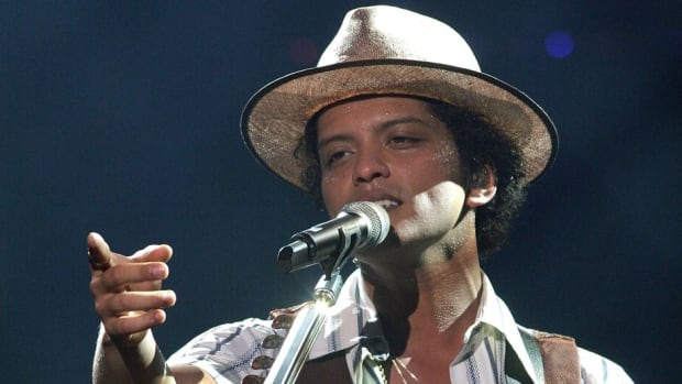 Bruno Mars is reportedly in line to perfrom during the halftime show of Super Bowl XLVIII in New Jersey in February.