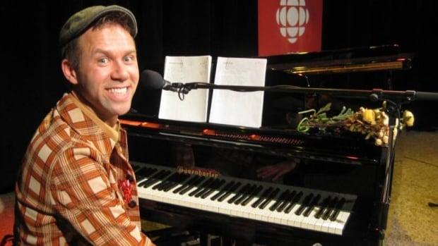 Saskatchewan musician Jeffrey Straker is writing a musical with former CBC host Kelley Jo Burke.