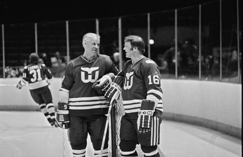 Bobby Hull 'enjoyed every high-sticking minute' of play against Gordie Howe