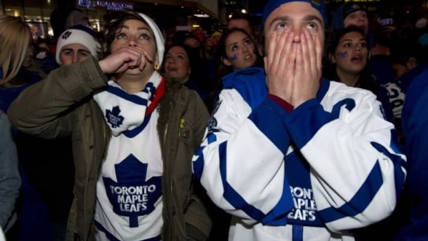 First night of playoffs teaches lesson to young Maple Leafs