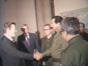 410770_01_Rumsfeld Saddam Hussein