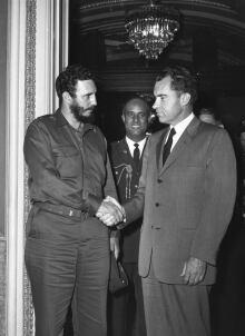 97d/02/huch/4946/18 Nixon Castro