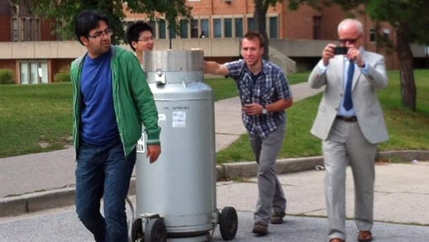 The University of Windsor and the Ministry of Labour investigated claims a nitrogen tank was improperly moved by students during the CUPE 1393 strike.