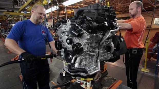 Auto analyst Joe MacCabe predicts auto production in Canada will decrease by 25 per cent by 2020.