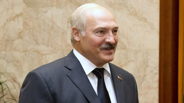 "Belarus President Alexander Lukashenko has instructed organizers of the 2014 world hockey championship to sign a contract with insurers to cover ""possible losses in case of a cancellation, a boycott, or a change in dates of the championship."""