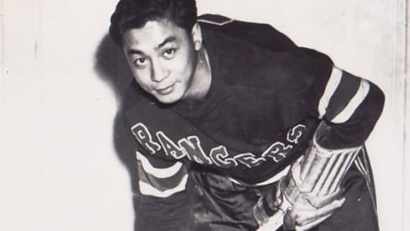 1st NHL player of colour, Larry Kwong, dies at 94
