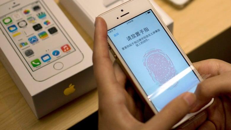 Apple iPhone 5s fingerprint sensor hacked | CBC News