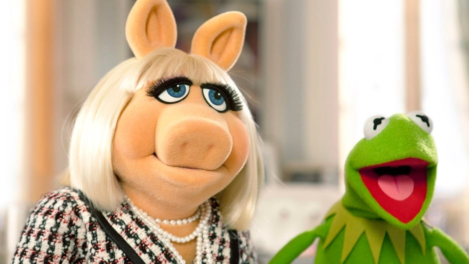 Amid a parade of celebrity breakups, Miss Piggy and Kermit the Frog announced the end of their nearly 40-year relationship.