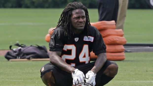 "Cincinnati Bengals cornerback Adam ""Pacman"" Jones paid $130 for the fine and court costs Thursday."