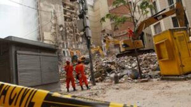si-rio-collapse-thursday-300