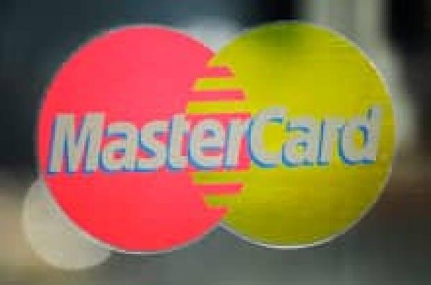 sm-220-mastercard-01545893