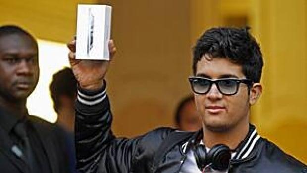 300-iphone-paris