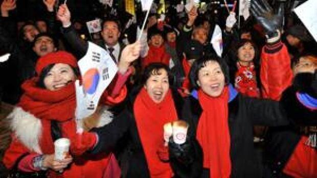 ii-south-korea-crowd