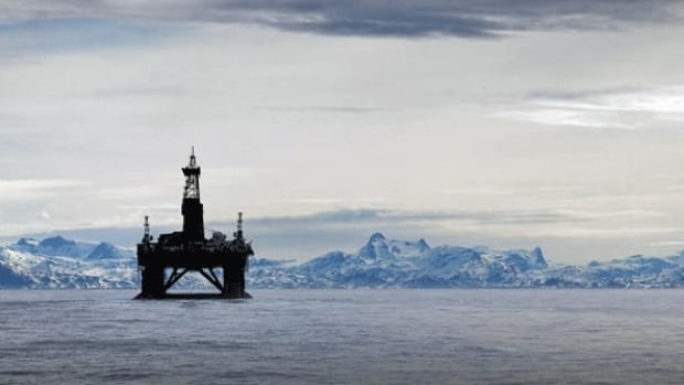 An oil rig is shown in the Arctic in 2011. An internal report warns the federal government isn't fully prepared to respond in the event of an oil spill in the Arctic or in deep water offshore.