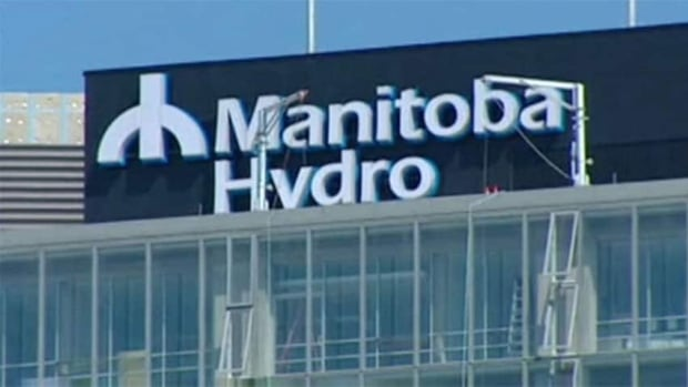 Hydro crews are searching for the underground source of a power outage in Winnipeg's St. Vital area.