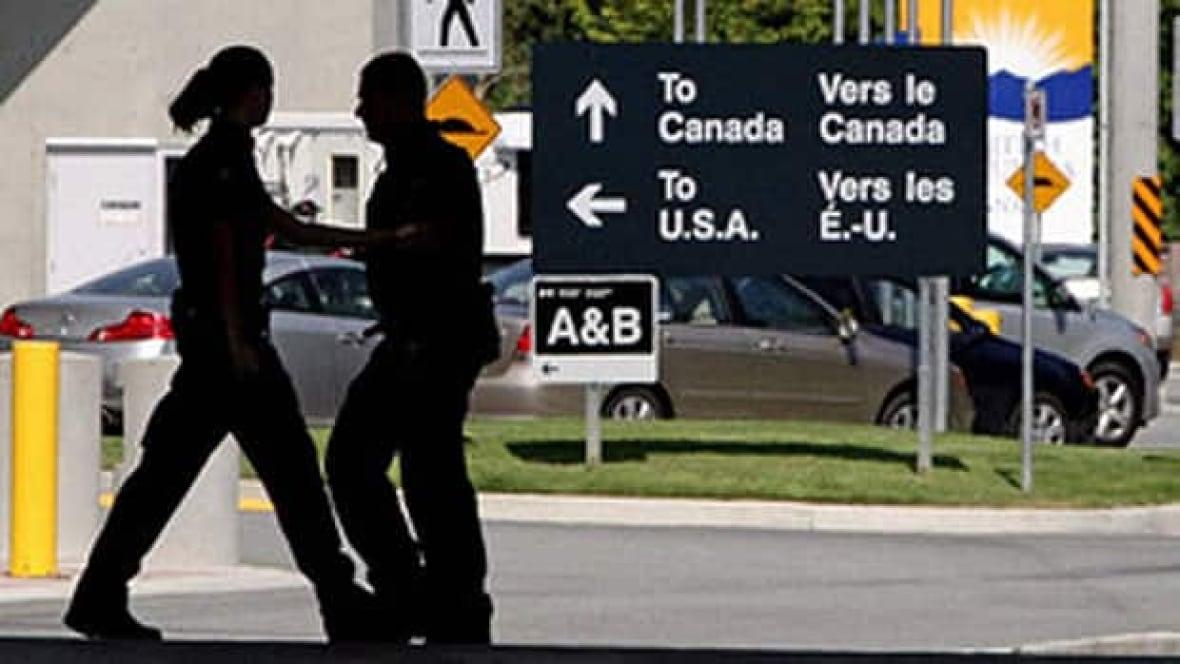'They just walk on through': Hundreds fleeing past Manitoba border seeking refugee protection