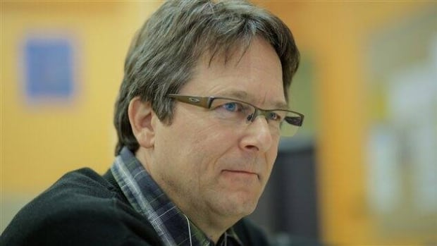 André Frappier will replace Amir Khadir as interim male co-spokesperson of Québec Solidaire.