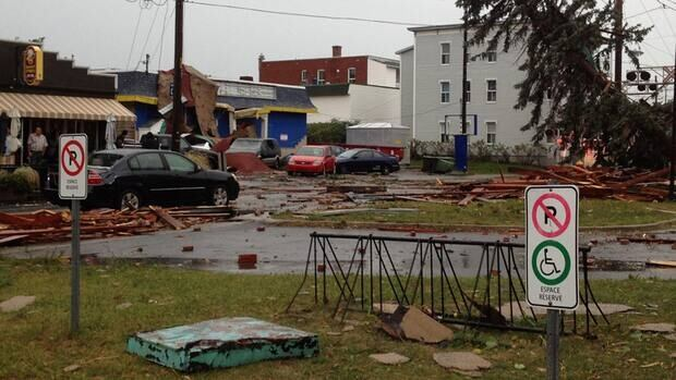 A tornado with winds up to 120 km/h touched down in Drummondville.