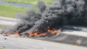 si-truck-crash-300