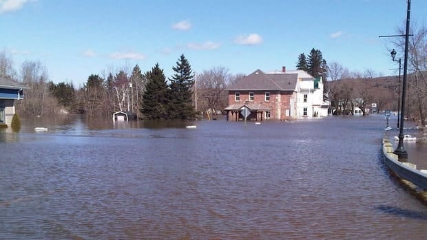 Moving or flood-proofing many houses and businesses in Perth-Andover would cost the provincial government about $7.5 million, according to a report released Friday.