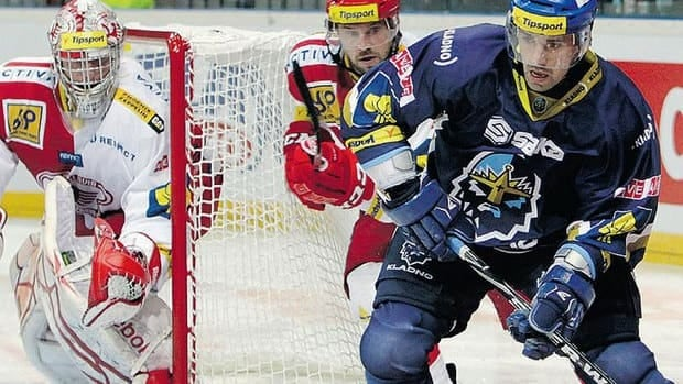 Canadiens forward Tomas Plekanec, right, seen here toiling for HC Kladno in the Czech Republic during the NHL lockout, has eight goals and 16 points in 12 games.
