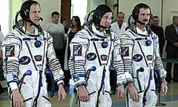 ii-astronauts-cp-300-036524