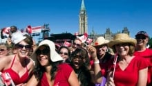 hi-canada-day-crowd-620-cp-00918482