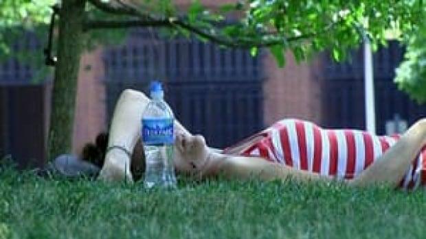 hi-heat-wave-woman-water-bottle-852-4col