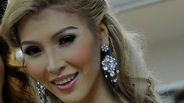 Transgender beauty queen Jenna Talackova of Vancouver has been disqualified from the Miss Universe Canada contest.