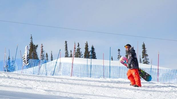 Two snowboarders were hurt in separate incidents Monday at the Arctic Winter Games slopestyle event at Mount Sima near Whitehorse.