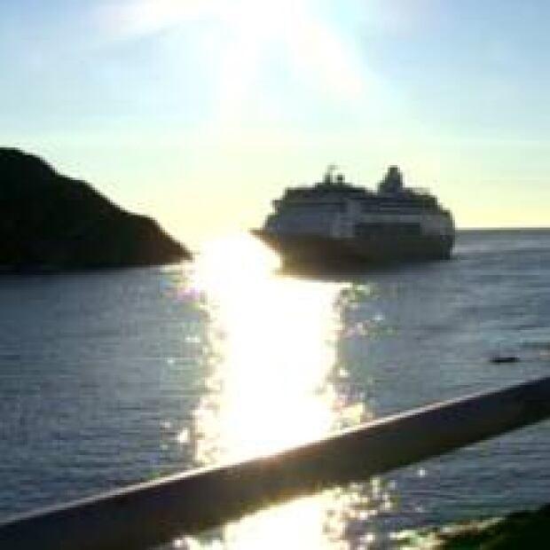 nl-cruise-ship-20070710