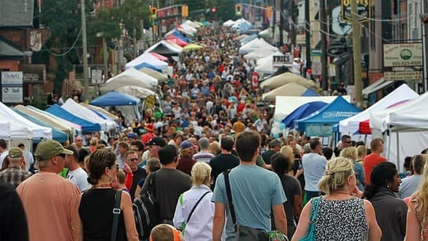 A little rain couldn't keep the crowds out of the Locke Street festival on Saturday.