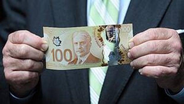 mi-plastic-cash-00861917
