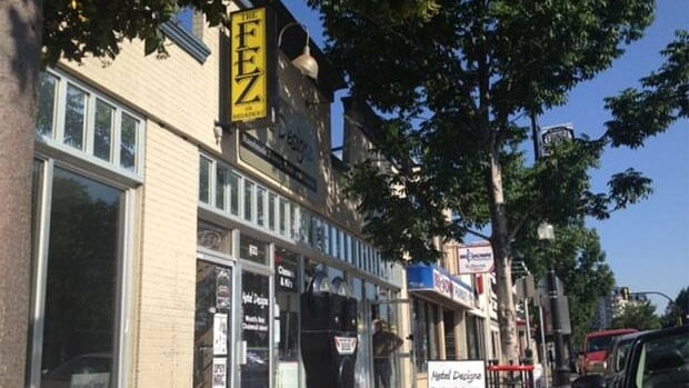 A 27-year-old man died at the Fez On Broadway after falling down a set of stairs and hitting his head.