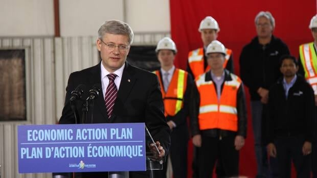 Prime Minster Stephen Harper waded into Toronto's transit debate while announcing the new tunnel that will connect the city with its downtown island airport. The prime minister said his preference was for subways, but added it's up to local politicians to decide.