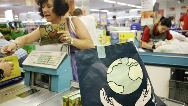 Europeans showed they were willing to spend a bit more on retail goods in August, suggesting the economic recovery in the region was continuing.