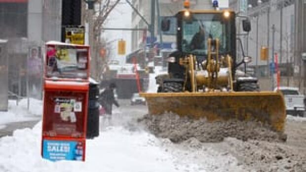 hi-toronto-snow-plow-852-4col