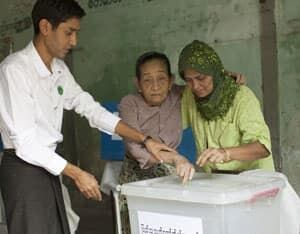 hi-burma-vote-afp