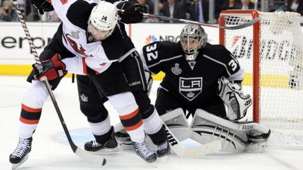 Jonathan Quick (32) is favoured to win Conn Smythe Trophy if Kings can complete the sweep.