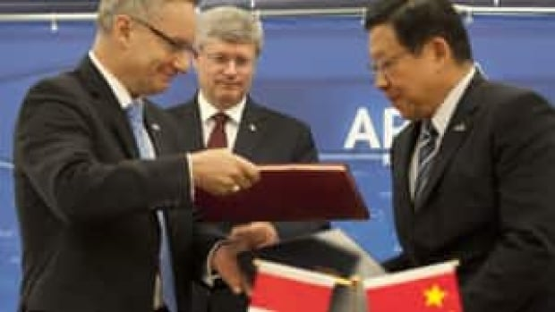 si-harper-apec-china0323051