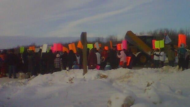 Around 400 protesters came out for the blockade, saying the federal government didn't consult with First Nations people before proposing changes to the Indian Act.