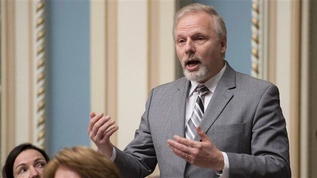 Jean-François Lisée said he will give the extra salary to businesses in Rosemont that help young people earn jobs.