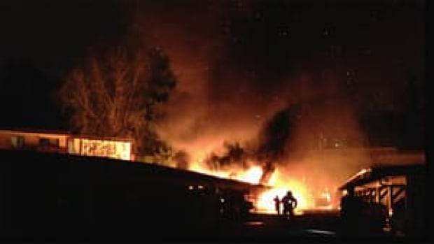 hi-bc-121116-burnaby-apartment-parking-fire-4col