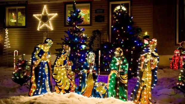 A Regina man wants to show people where they can find the best Christmas light displays in the city.