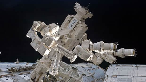 Dextre, the Canadian Space Agency's robotic handyman, made history with its manoeuvres this week aboard the International Space Station, the agency says.