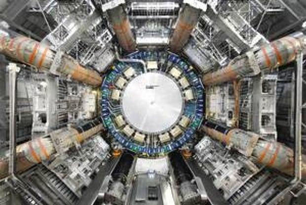 mi-atlas-detector-300-2007-cern