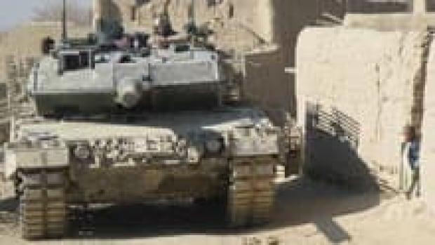 220-cp4302486-leopard2a6