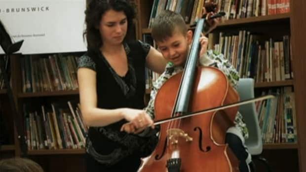 Sistema Program helps underpriveleged children learn music.