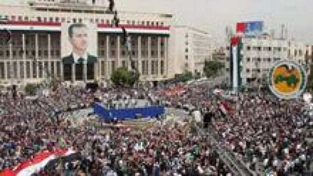 220-syria-crowd-cp02469196