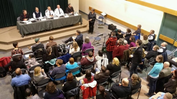 Close to 200 people packed into Northern United Place in Yellowknife for a meeting on public safety Thursday night.